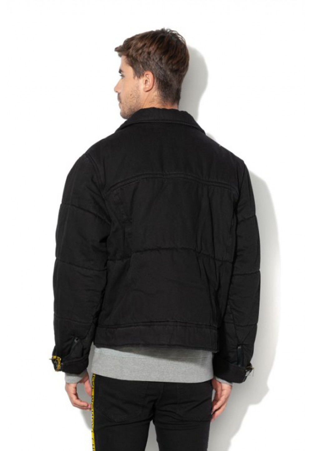 Куртка-Бомбер черного цвета