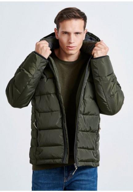Стильна коротка куртка кольору хакі