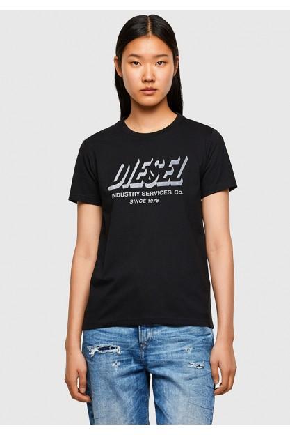 Стильная черная футболка с принтом на груди