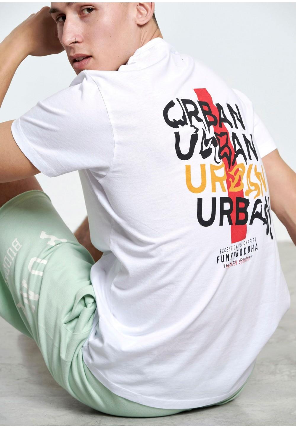 Біла футболка оверсайз з текстовим принтом