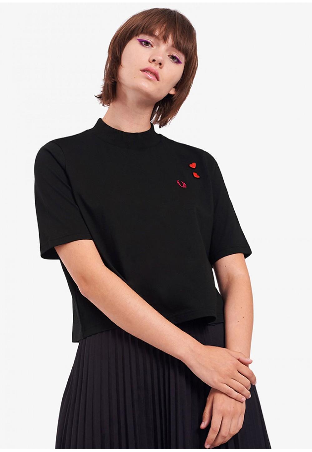 Чорна футболка з вишивкою