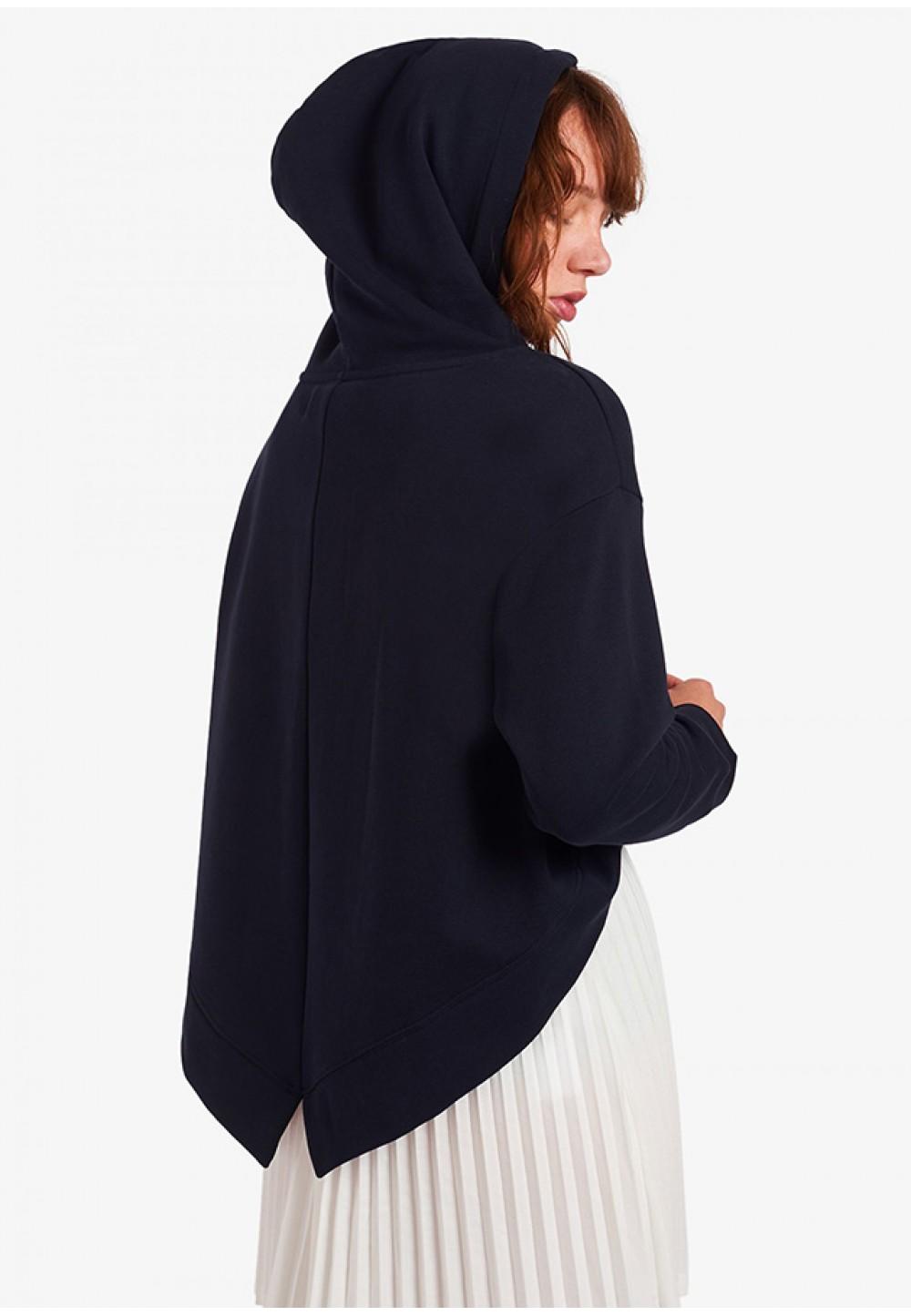 Темно-синий свитшот с капюшоном