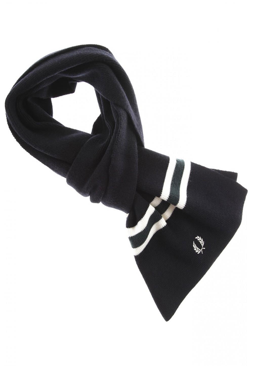 Вязаный черный шарф