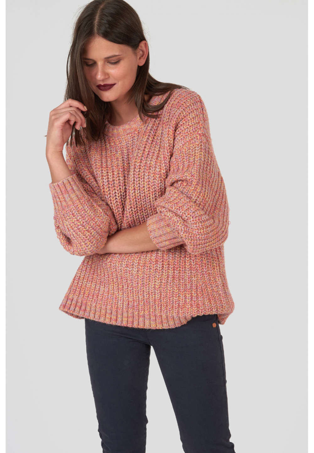 Вязаный широкий свитер