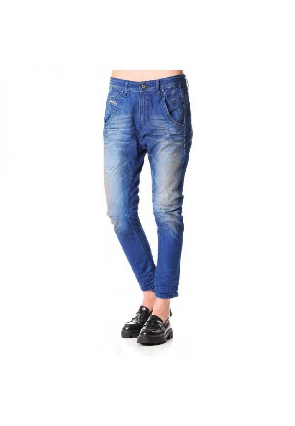 Женские голубые джинсы бойфренды