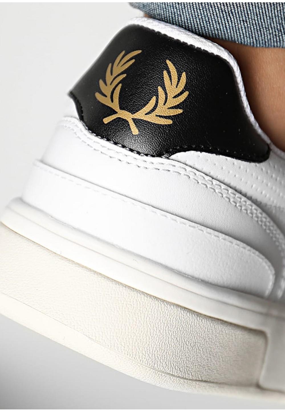 Білі шкіряні кеди з логотипом