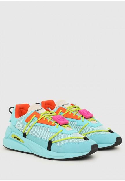 Яскраві кросівки на високій підошві
