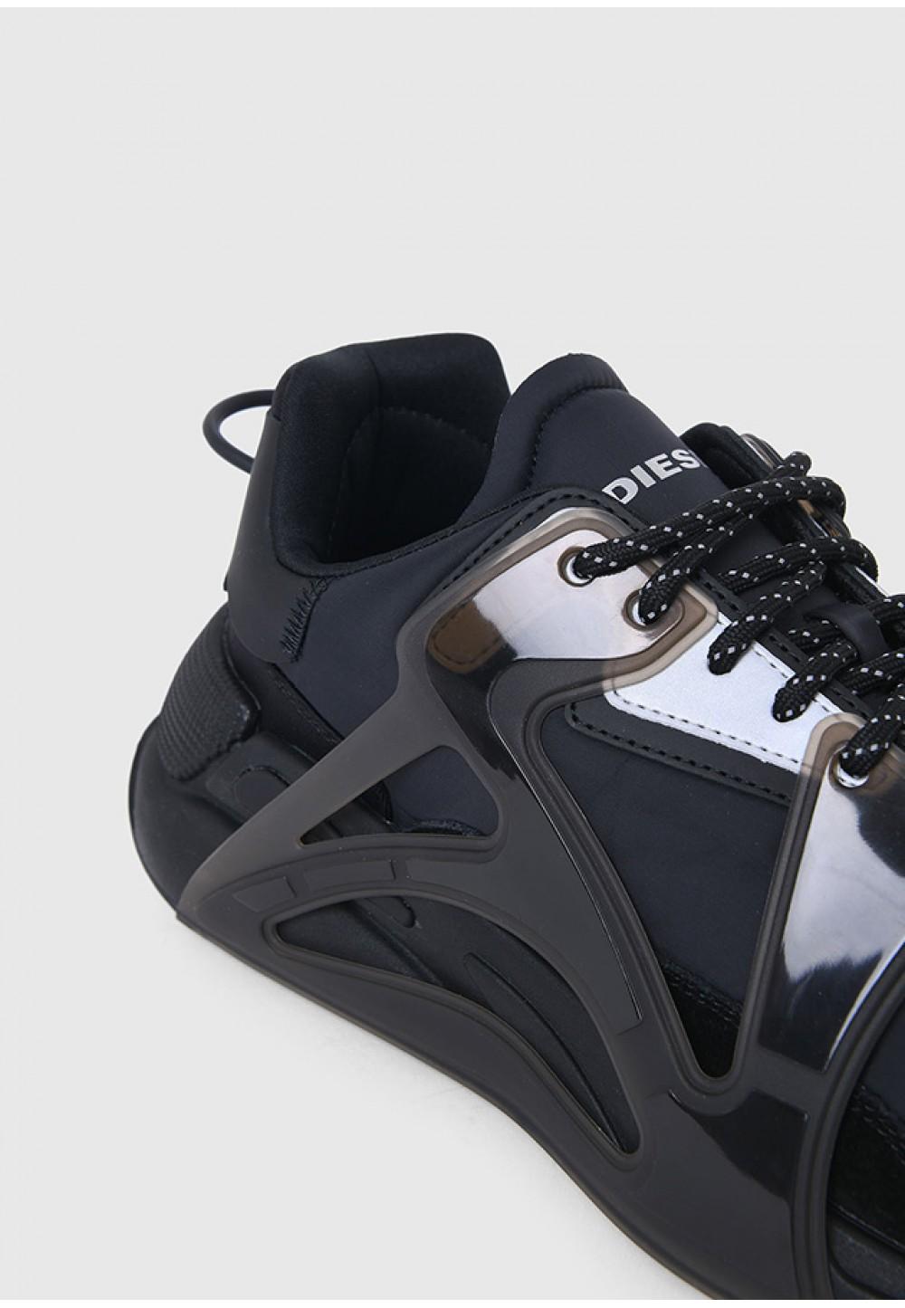 Багатошарові кросівки з нейлону і замші